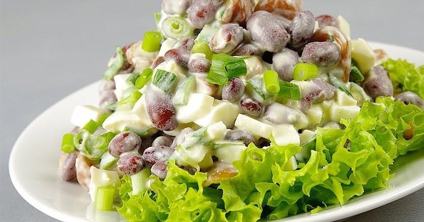 сытный салат с грибами