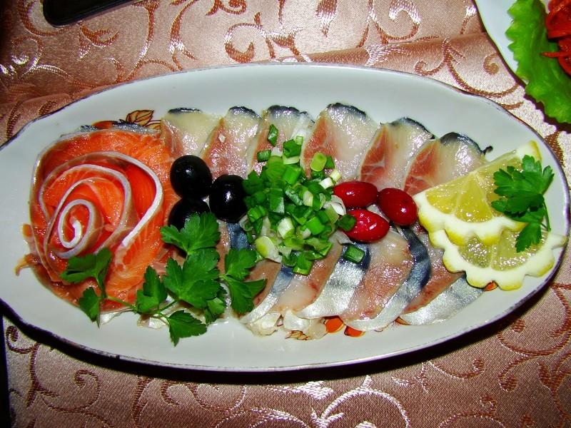 нарезка из соленая рыба